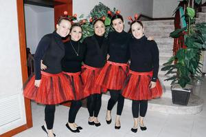 Bonny, Paula, Arcelia, Isabel y Denisse.