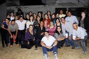 Dinora Contreras celebró su onomástico en compañía de sus amistades.