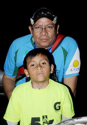 CARRERA NOCTURNA.  Carlos Alejandro y Alejandro Silva.