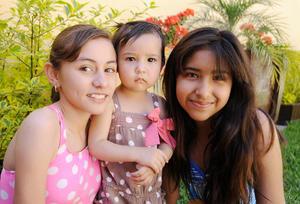 MARIANA , Zayra y Pamela.