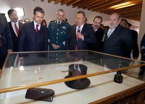 Tras la ceremonia, Peña Nieto realizó un recorrido por la Exposición Temporal del Ejército Constitucionalista.