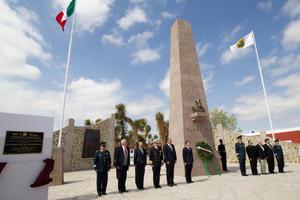 Peña Nieto realizó una guardia de honor en el monumento erigido a Venustiano Carranza.