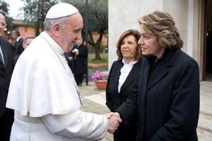 Al terminar la celebración, Francisco compartió su mensaje con la Jefa del Departamento de Justicia de Menores, Caterina Chinnici.