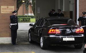 Momentos después, se trasladó al Instituto de Casal de Marmol, a las afueras de Roma, donde presidió la ceremonia de la última cena.