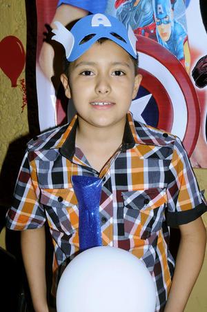 José Manuel  Vázquez López cumplió nueve años y lo celebró en familia.