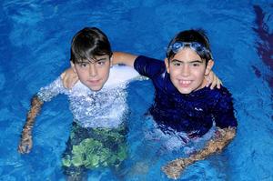 Juan  y Armando.