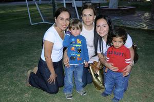 Cynthia  García, Gelo García, Any García, Mateo Lara y Nicolás Lara.