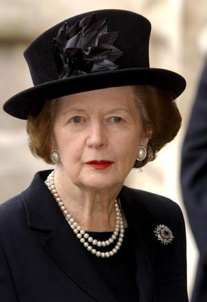 Su caída por el controvertido impuesto no vino de la mano del votante, sino de su propio partido, que el 22 de noviembre de 1990 la castigó con una revuelta interna por su implacable determinación, la misma que la llevó al poder.