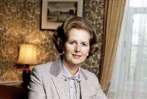 La ex primera ministra británica conservadora Margaret Thatcher murió a los 87 años de un ataque de apoplejía, informó su portavoz, lord Bell.