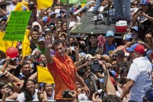 Uno de los eventos de la campaña de Capriles tuvo lugar en San Fernando, estado de Apure, donde llamó a sus seguidores a votar el domingo.