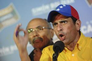 """""""Nosotros no vamos a reconocer un resultado hasta tanto no se cuente cada voto de los venezolanos"""", indicó Capriles en una declaración pública tras el anuncio de los resultados."""