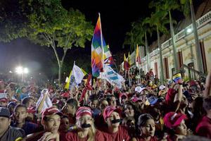 Miles de simpatizantes celebraron en las calles el triunfo de Maduro.
