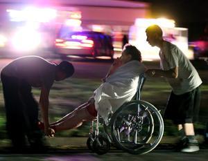 Las autoridades de la ciudad, al norte de Waco, indicaron que al menos 160 supervivientes han recibido tratamiento por lesiones en hospitales de la zona.