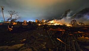 """De 10 a 15 edificios han sido totalmente demolidos y probablemente 50 casas tuvieron un """"daño severo."""