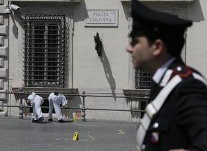 Fuentes policiales precisaron, además, que los carabineros no respondieron a los disparos del atacante.