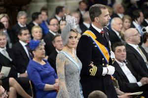 El heredero de la Corona española, Felipe de Borbón y su esposa, Leticia también asistieron a la ceremonia.