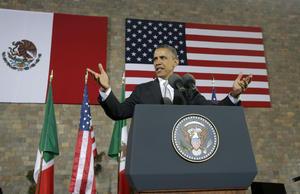 """La modernidad """"no está fuera de nosotros, sino dentro de nosotros"""", dijo Obama parafraseando al premio Nobel mexicano, Octavio Paz, al dirigirse a los jóvenes como """"los creadores y constructores"""" del progreso y la prosperidad del país."""