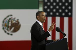 Dentro de las actividades del viernes, el presidente Obama dirigió un mensaje a jóvenes estudiantes en el Museo Nacional de Antropología.