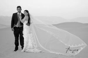 ING. Eduardo Carrillo Delgado y Lic. Perla Alejandra Ríos Medina, el día de su boda.- Benjamín Fotografía