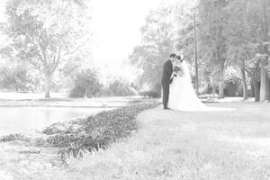 Sr. Ruben Alejandro Rivas Bedolla y Srita. Ruth Rangel Ibarra, el día de su matrimonio.- Susunaga Fotografía