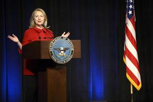 Hillary Clinton, ex secretaria de Estado de EU aparece en el quinto lugar.