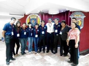 Juan, Montze, Myde, Mayela, Perla, Armando, Octavio, Gustavo, Verónica, Manuel y Sandra.