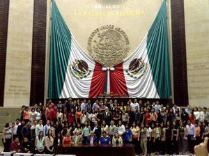 Alumnos de administración fiscal y Financiera UAC.