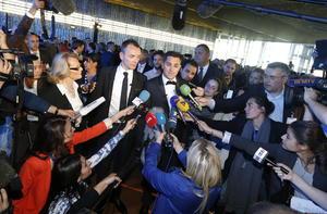 La ceremonia se celebró en la sede del ayuntamiento de esa ciudad mediterránea, en medio de una gran atención de medios de comunicación, franceses e internacionales, y con fuerte vigilancia policial.