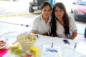 Fernanda  y Valeria.