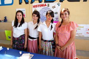 ESTEFANíA,  Daniela, Paola y Alejandra.