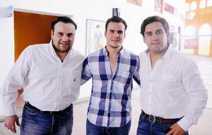 Hassan, Andrés y Memo.