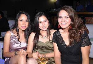 Nylza Ramírez,  Karla Barbachano y Mariana Aguilera.