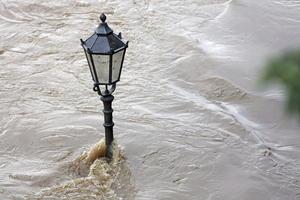 Las inundaciones, que amenazan con llegar a Hungría y Eslovaquia, también han afectado, aunque en menor medida, las regiones del suroeste de Polonia y Suiza.