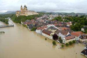En Austría el servicio meteorológico indicó que la cantidad de lluvia caída en los pasados dos días equivale a la que usualmente se precipita en dos meses.