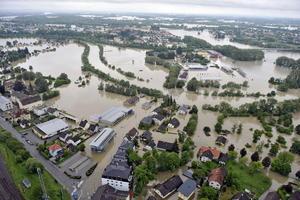 En Austria, las fuertes lluvias azotan los estados federados de Voralberg, Tirol, Salzburgo, Alta Austria y Baja Austria, causando dos muertos y dos desaparecidos, según la emisora pública ORF.