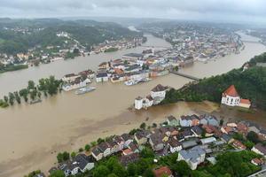 Intensas lluvias e inundaciones que afectan a numerosas regiones de Alemania, República Checa, Austria y Suiza, han dejado al menos ocho muertos, unos 10 desaparecidos y miles de evacuados, según las autoridades.