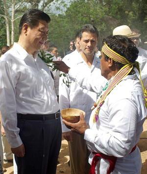 """El mandatario asiático se sometió a una """"limpia"""", como se conoce a los rituales para cargarse de energía positiva."""
