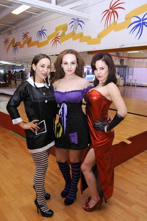 Irma,  Karla y Claudia.