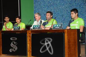 El vicepresidente del club Alberto Canedo dio la bienvenida a los nuevos santistas.