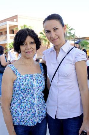 Julieta Hernández y América Estrada.