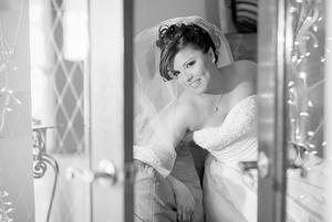 LIC. EN R.H. ALÍ ESTHER  Torres de la Torre el día de su boda con el Arq. Juan Luis Abraham Cueto.- Laura Grageda Fotografía