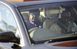 Dos días después de su ingreso al hospital, Winnie Mandela, su exposa lo visitó.