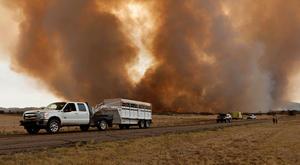 Un funcionario de la división forestal, Art Morrison, dijo que los bomberos fallecidos trabajaban en crear un cortafuegos.