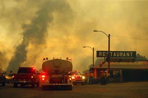 Fuentes oficiales del estado de Arizona, fronterizo con México, han informado de la muerte de los bomberos en la peor tragedia forestal registrada en 30 años en los Estados Unidos.