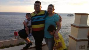 Miguel, Ada, Miguelito y Enriquito en Mazatlán, Sinaloa.