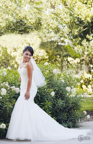 MIRIAM  Edith Ríos Lira, lució espectacular el día de su boda con Alfredo Chávez Cervantes.- José Grageda Fotografía