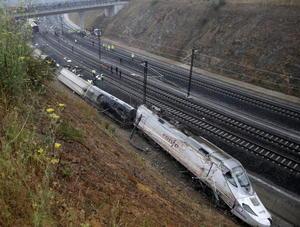 Aunque por el momento se desconocen las causas de la tragedia, fuentes de la investigación indicaron que una de las primeras hipótesis era el exceso de velocidad.