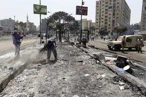 La sangrienta represión de las protestas de los Hermanos Musulmanes por el golpe de Estado y encarcelamiento del presidente egipcio Mohamed Mursi, con al menos 525 muertos y 3,717 heridos, ha desatado la condena mundial.