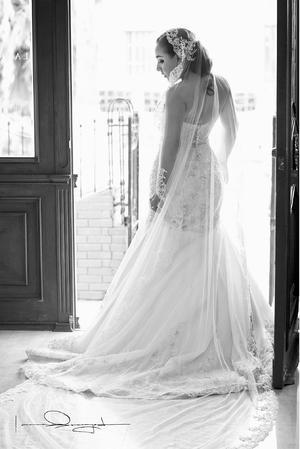 Srita. Paola  Rosas Acosta el día de su boda con el Sr. Pablo Andrés Berastegui Buriticá.- Laura Grageda Fotografía