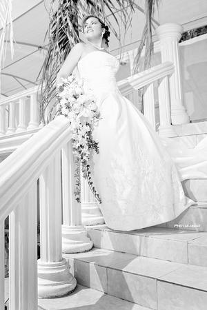 Srita. Tanya  Cecilia Espinoza Hernández el día de su matrimonio con el Sr. Francisco Adalberto Muñoz Peña.- Photologgo Fotografía